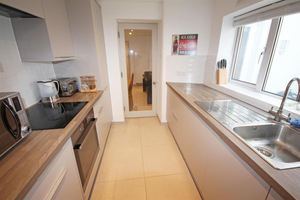 1 Bedroom Flat for sale in Upper Rock Gardens, Kemp Town, Brighton