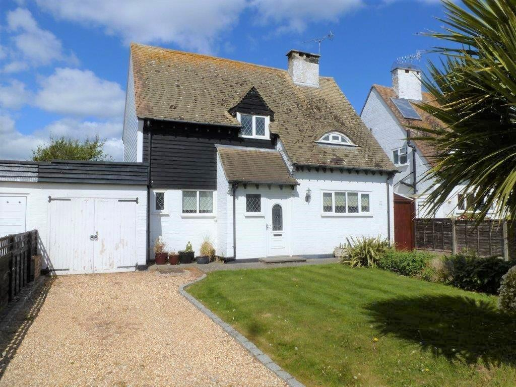 4 Bedrooms Cottage House for sale in Apple Grove, Aldwick Bay Estate, Aldwick, Bognor Regis PO21