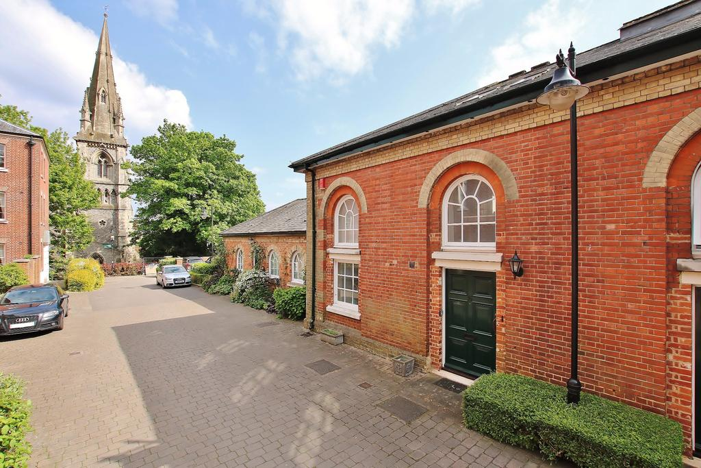 3 Bedrooms End Of Terrace House for sale in Lower Barracks, Central Winchester