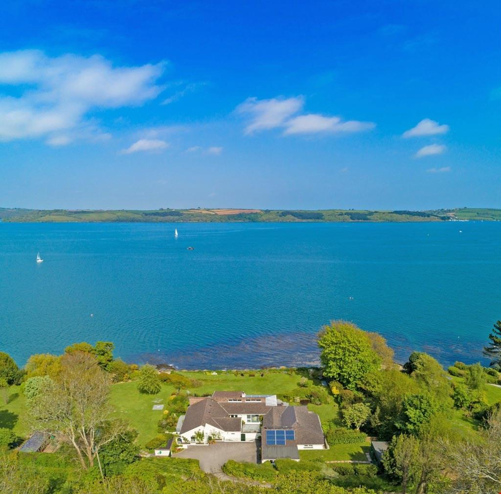 4 Bedrooms Detached House for sale in Greatwood, Nr. Mylor - The Fal Estuary, South Cornwall, TR11