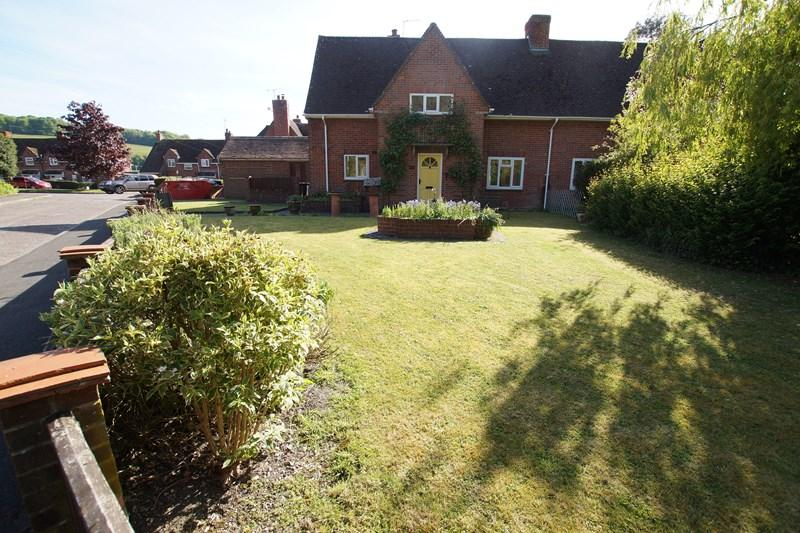 3 Bedrooms Semi Detached House for sale in The Glebe, Iwerne Minster, Blandford Forum