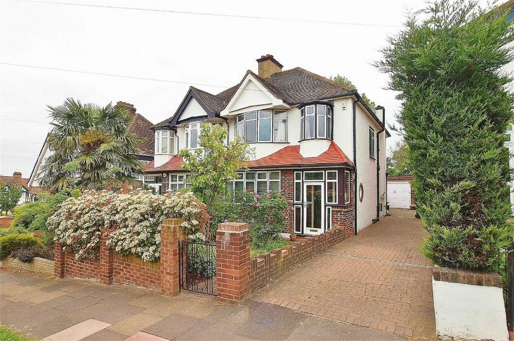 3 Bedrooms Semi Detached House for sale in Crossways Road, Beckenham, Kent