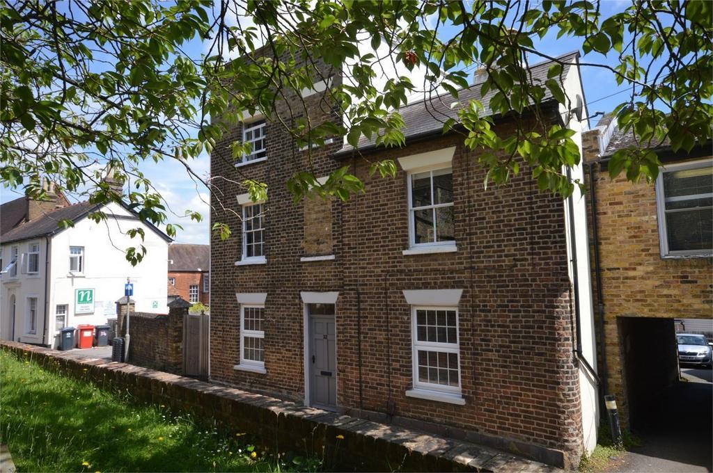 1 Bedroom Flat for sale in 32 Church Street, Bishop's Stortford
