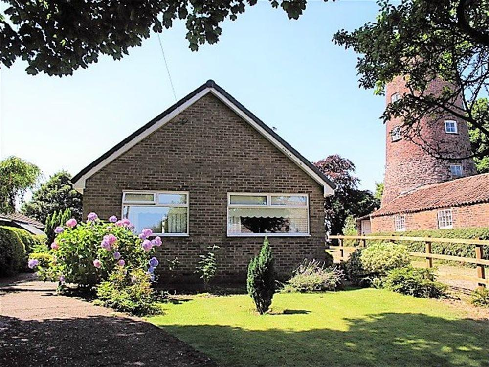 2 Bedrooms Detached Bungalow for sale in Mill Rise, Mill Road, Keyingham Offers In the Region Of