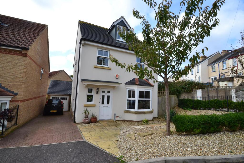 4 Bedrooms Detached House for sale in Catshole Lane, Bideford