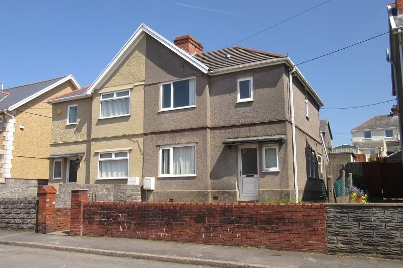 3 Bedrooms Semi Detached House for sale in Faraday Road, Clydach, Swansea.