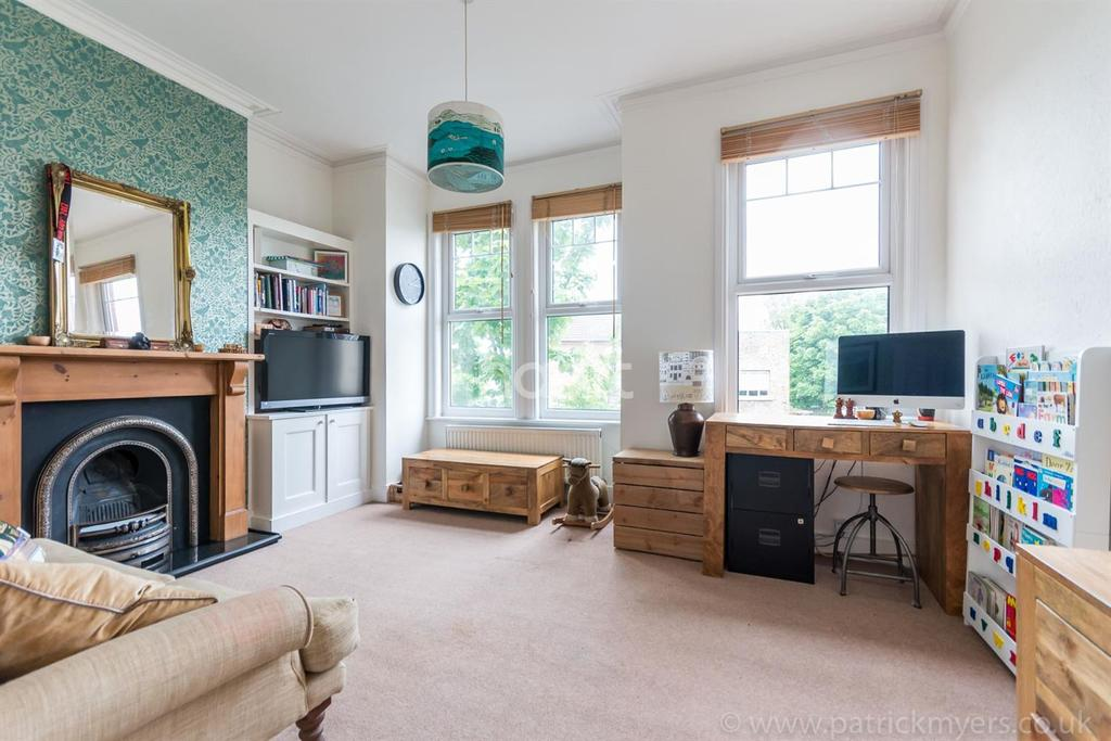 2 Bedrooms Flat for sale in Dunstans Road, East Dulwich, London, SE22
