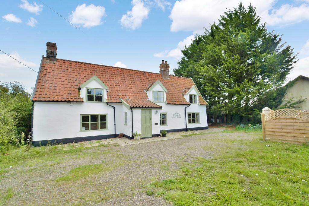 4 Bedrooms Farm House Character Property for sale in Diss Road, Winfarthing