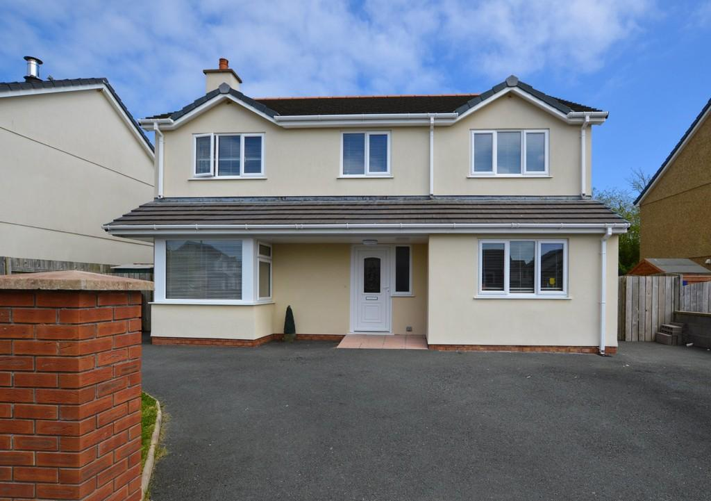 4 Bedrooms Detached House for sale in Nant Y Pandy, Llangefni, North Wales