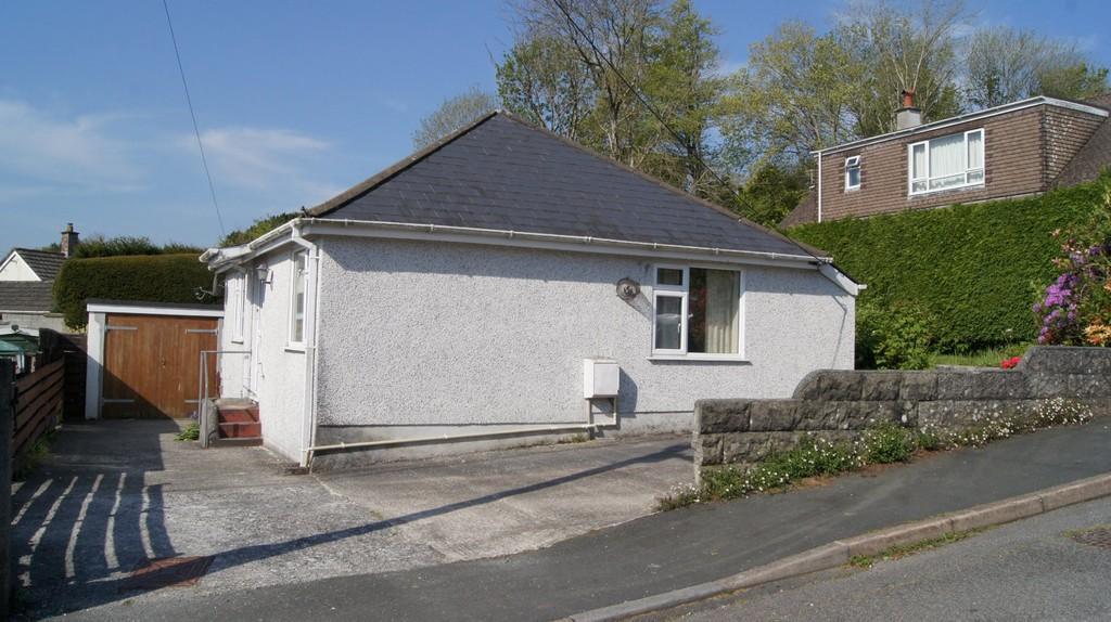 2 Bedrooms Detached Bungalow for sale in Tavistock