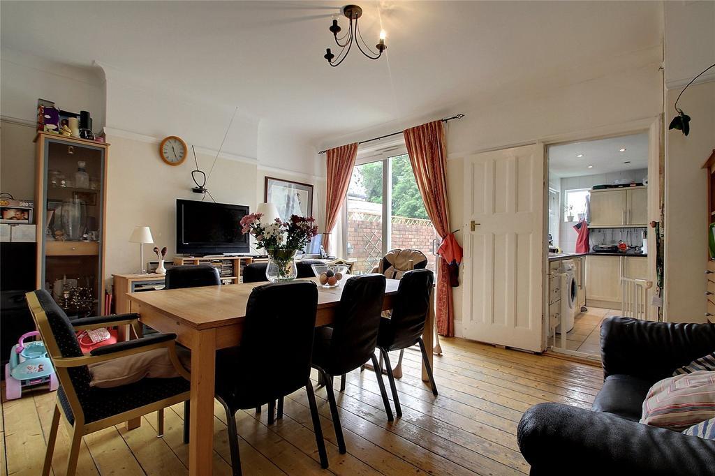 3 Bedrooms Terraced House for sale in Swinderby Road, Wembley, HA0