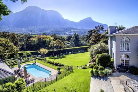 5 bedroom house  - 15 Bishopscourt Drive, Bishopscourt, Cape Town, Western Cape
