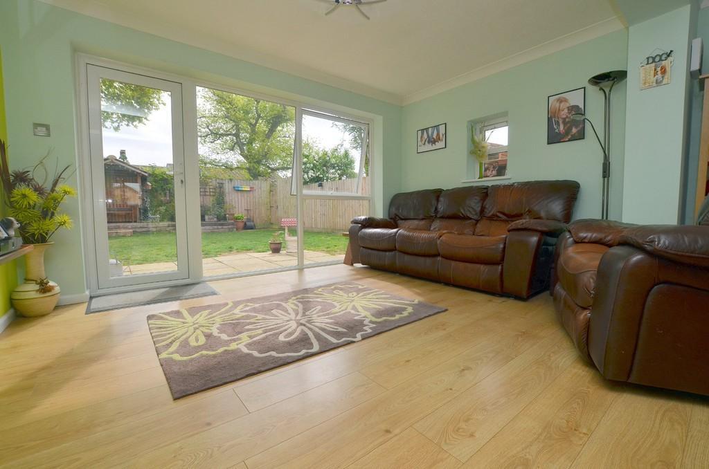 2 Bedrooms Terraced Bungalow for sale in Alberta Close, Kesgrave