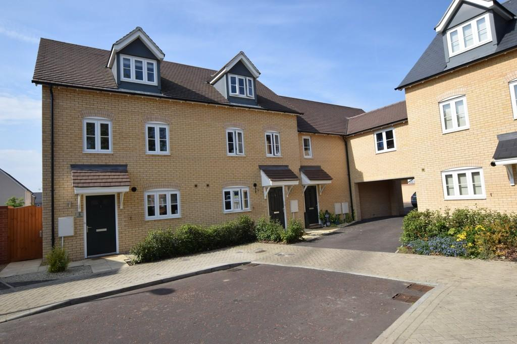3 Bedrooms Town House for sale in Wall Mews, Colchester