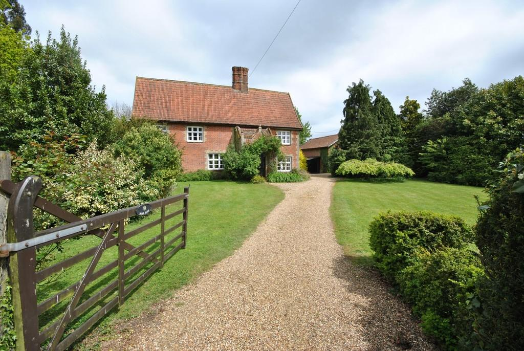 4 Bedrooms Detached House for sale in Denham, Suffolk