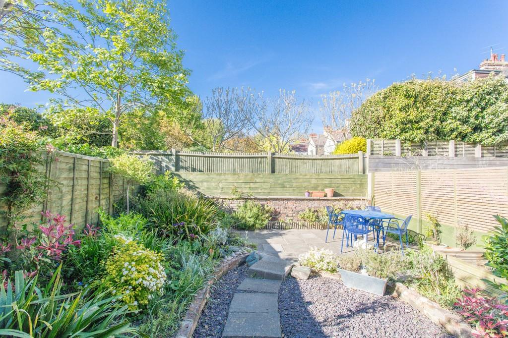2 Bedrooms Apartment Flat for sale in Wilbury Gardens, Hove
