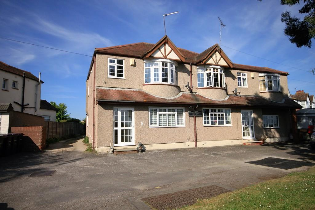 1 Bedroom Flat for sale in Silchester Corner, Great Wakering