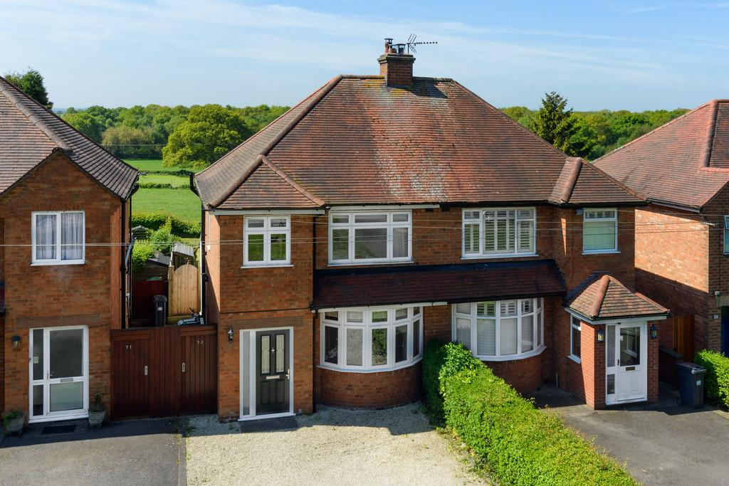 3 Bedrooms Semi Detached House for sale in Red Lane, Burton Green, Kenilworth