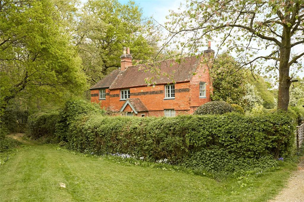 4 Bedrooms Unique Property for sale in Petworth Road, Chiddingfold, Godalming, Surrey, GU8