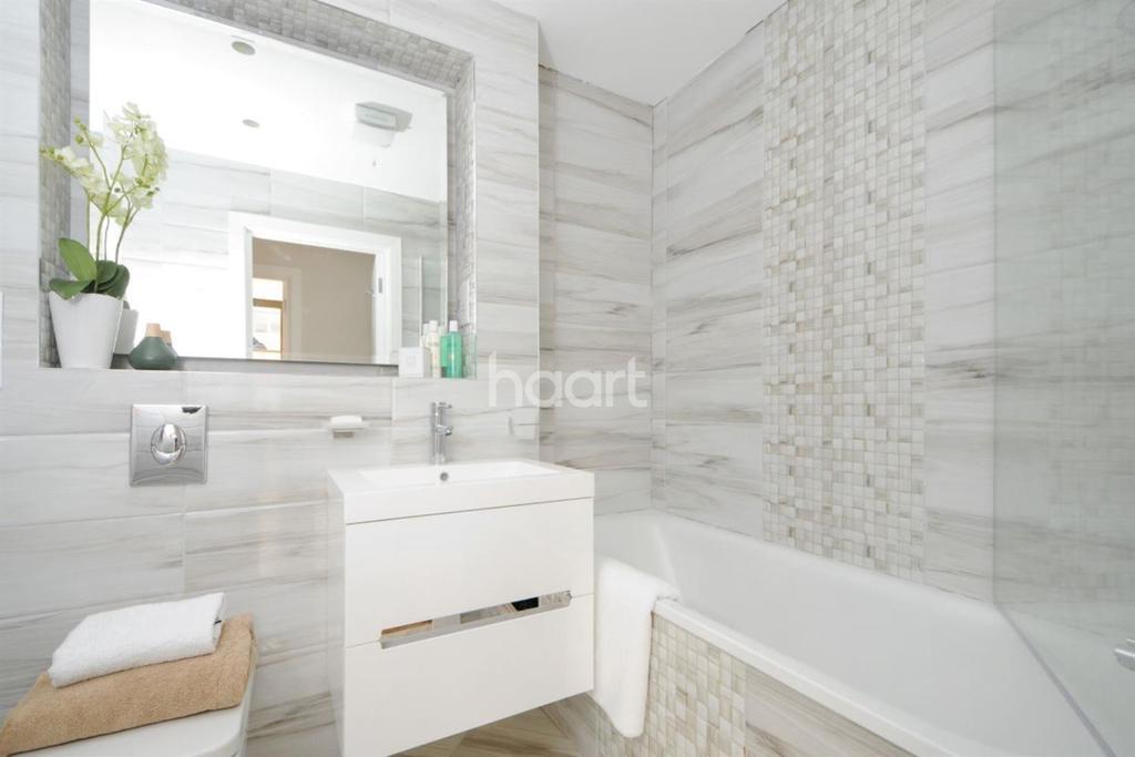 1 Bedroom Flat for sale in Sunbury-on-thames