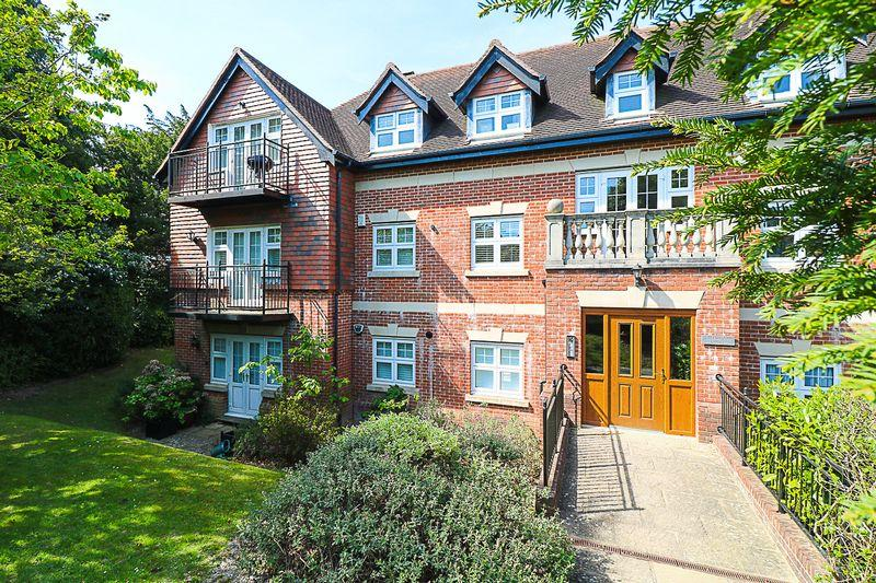 2 Bedrooms Apartment Flat for sale in Greenwood Court, Forest Road, Tunbridge Wells