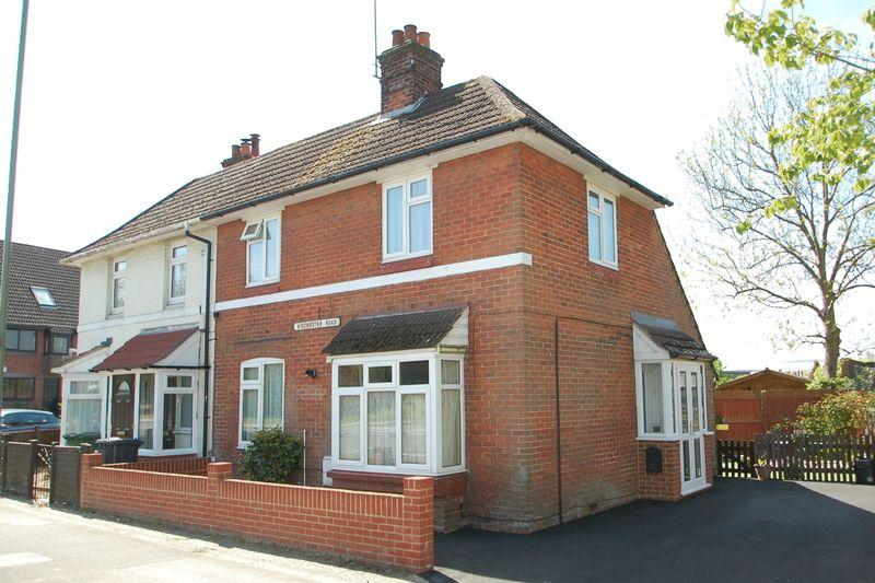 3 Bedrooms End Of Terrace House for sale in Winchester Road, Petersfield