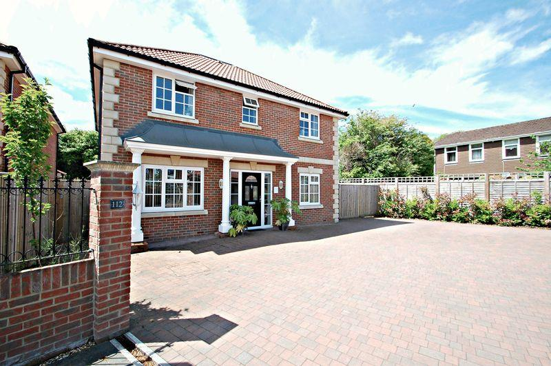 4 Bedrooms Detached House for sale in South Lane, CLANFIELD, Hampshire, PO8