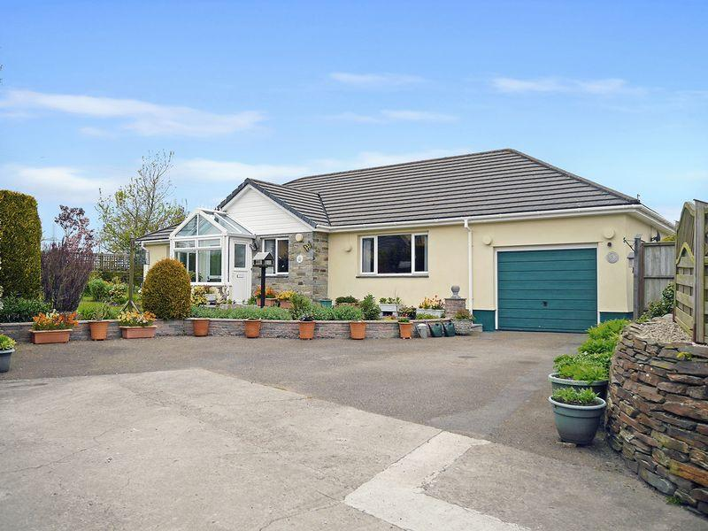 3 Bedrooms Bungalow for sale in Derril, Pyworthy