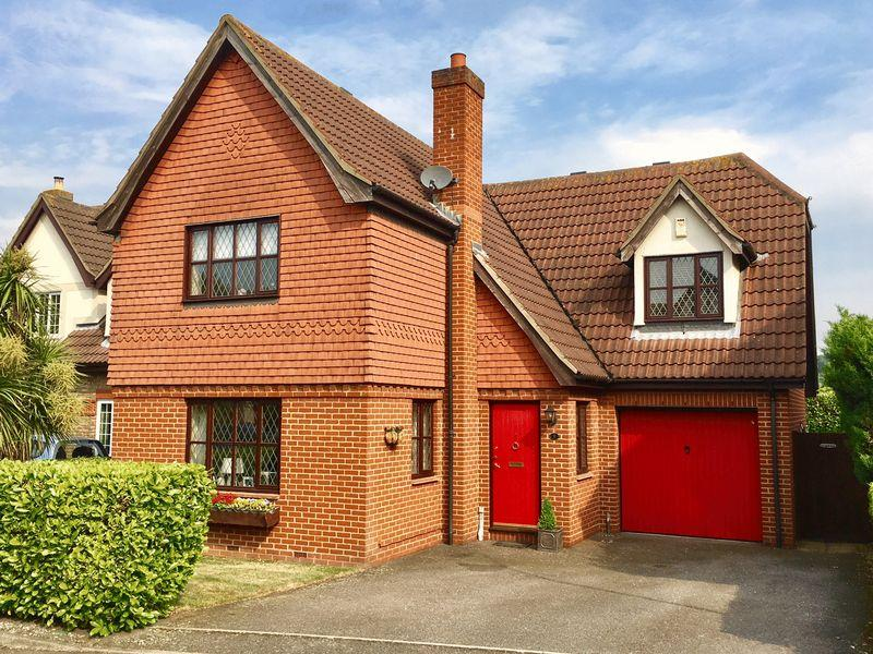 4 Bedrooms Detached House for sale in Meadow Close, Bexleyheath
