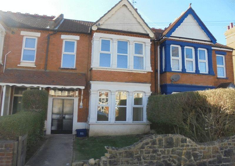 3 Bedrooms Terraced House for sale in Bellevue Road, Southend-On-Sea