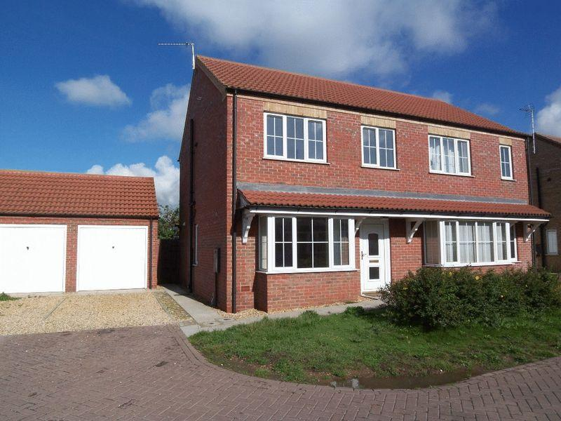 3 Bedrooms Semi Detached House for sale in Wygate Road, Spalding