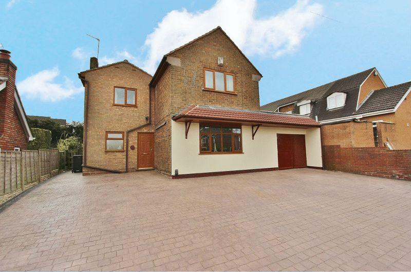 4 Bedrooms Detached House for sale in Hartland Road, Tipton