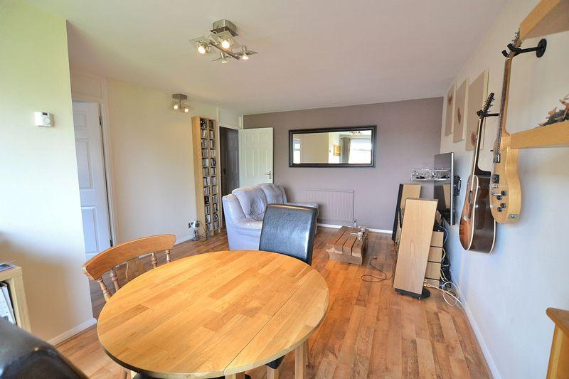 2 Bedrooms Apartment Flat for sale in Hope Park, Bromley