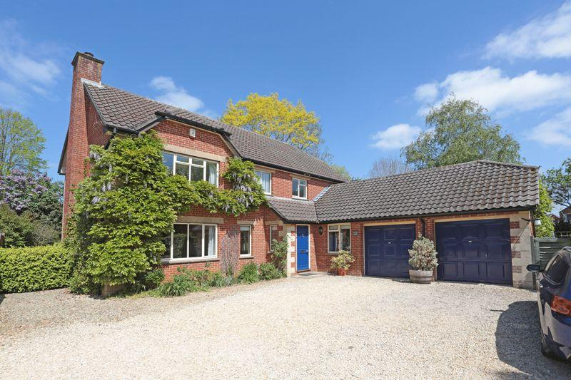 4 Bedrooms Detached House for sale in Seend, Wiltshire, SN12 6QH