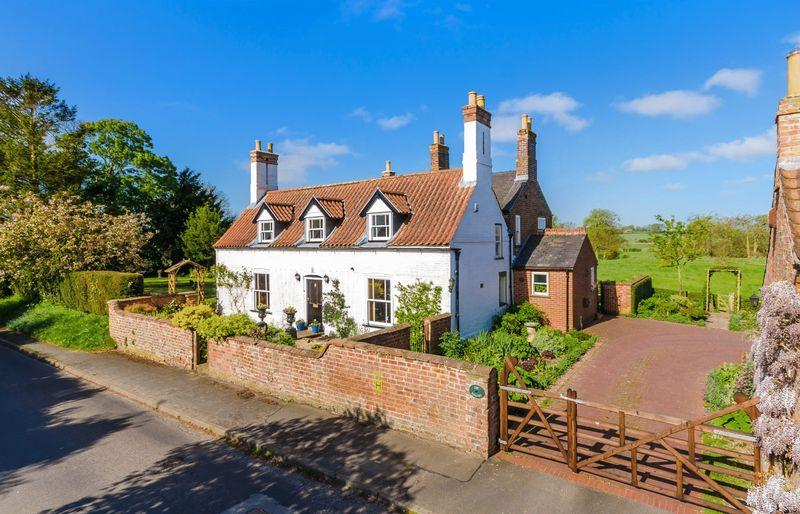 4 Bedrooms Detached House for sale in Coalmore Road, Hemingby,