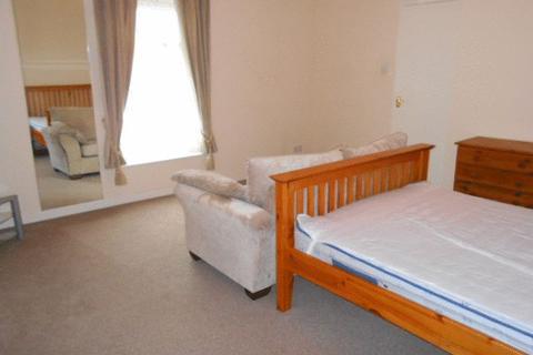 Apartment to rent - High Street, Wrexham