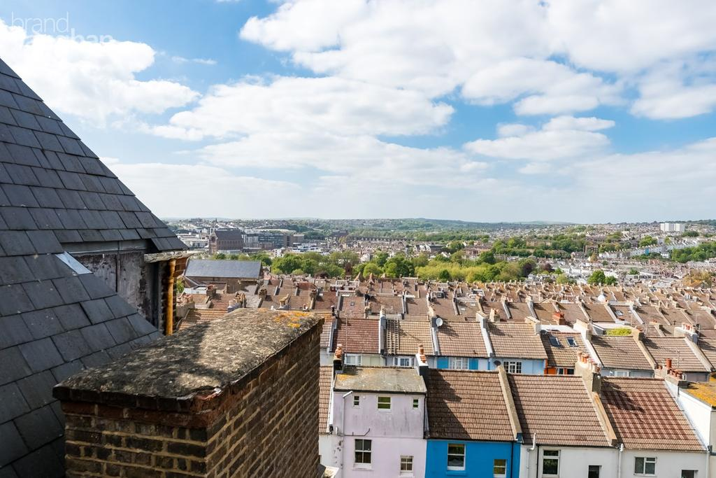 2 Bedrooms Flat for sale in Finsbury Road, Brighton, BN2