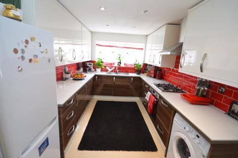 5 bedroom semi-detached house for sale - Thorogood Way,  Rainham, RM13