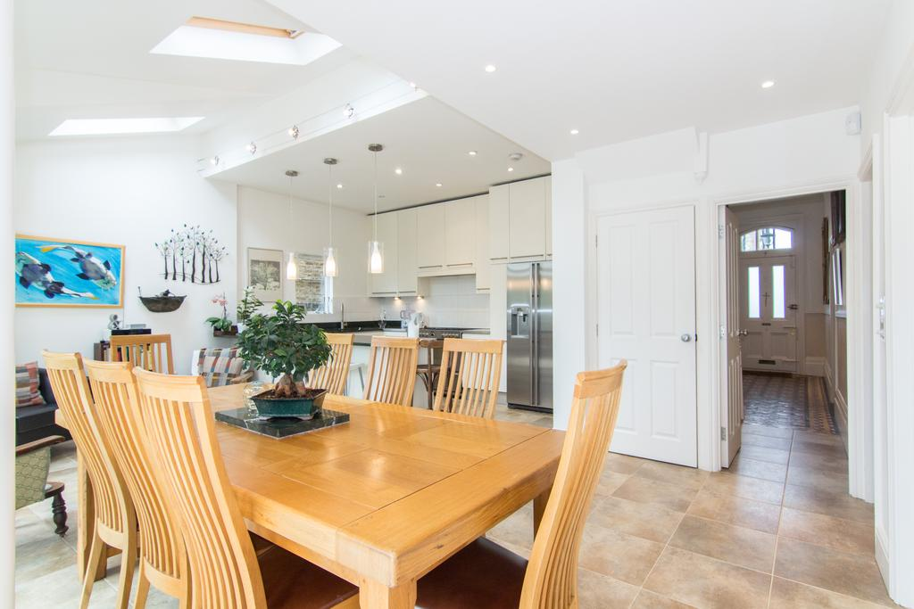 6 Bedrooms House for sale in Hastings Road, Ealing