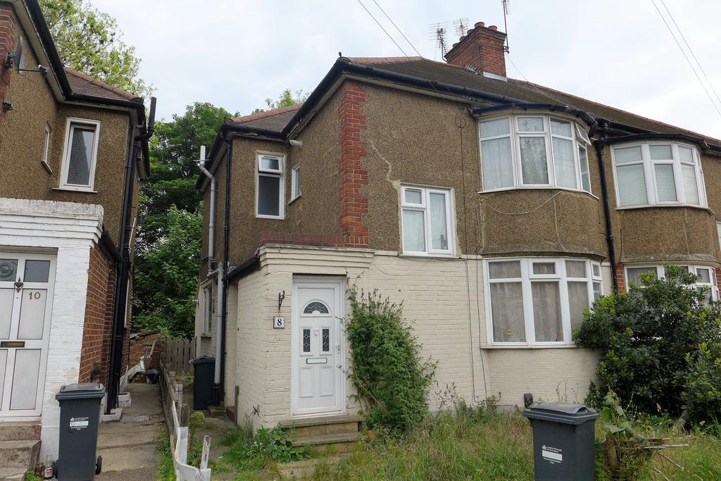 1 Bedroom Flat for sale in River Gardens, Feltham