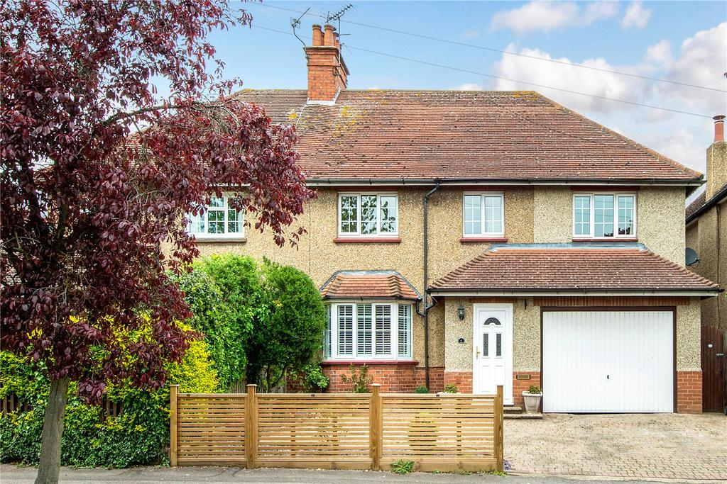 4 Bedrooms Semi Detached House for sale in The Cloisters, Rickmansworth, Hertfordshire, WD3