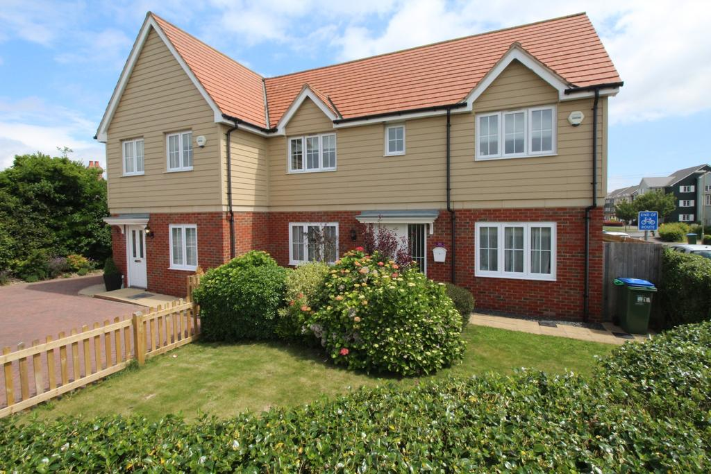 3 Bedrooms Semi Detached House for sale in Hunts Pond Road, Titchfield Common