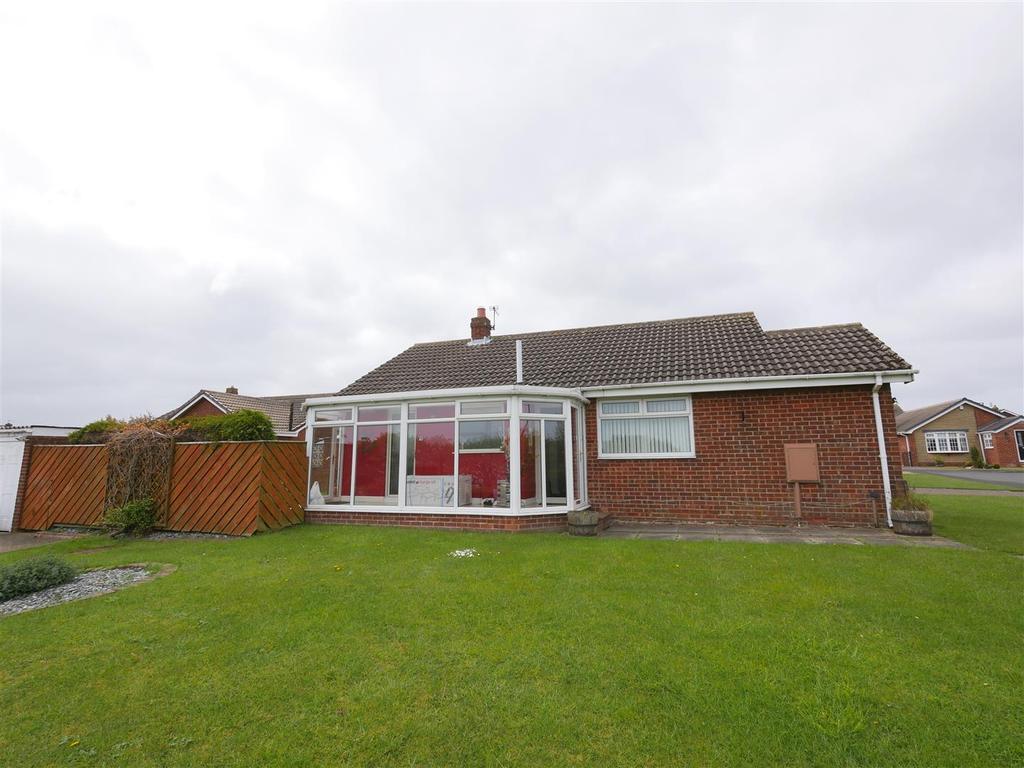 3 Bedrooms Detached Bungalow for sale in Levisham Close, Tunstall, Sunderland