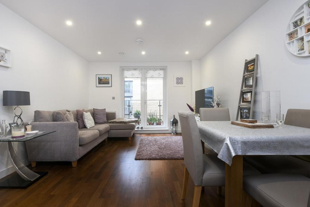 2 Bedrooms Flat for sale in Wharf Street, Greenwich