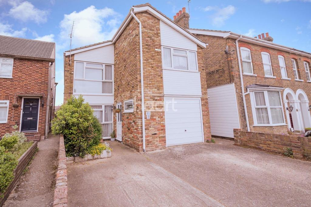 4 Bedrooms Detached House for sale in Bury Green Road, Cheshunt