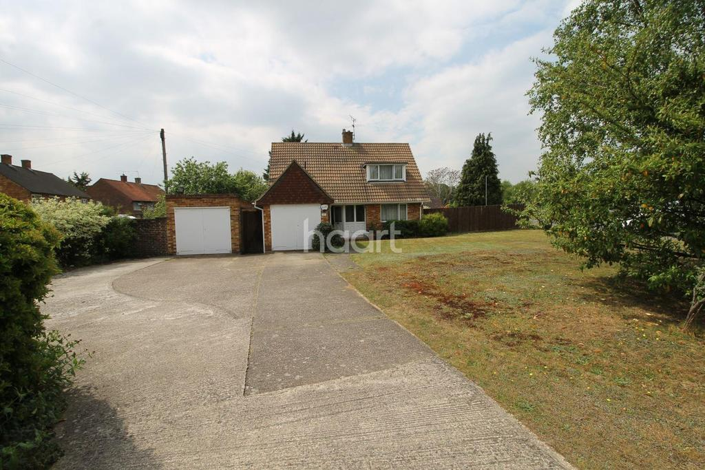 3 Bedrooms Detached House for sale in Farnham Lane