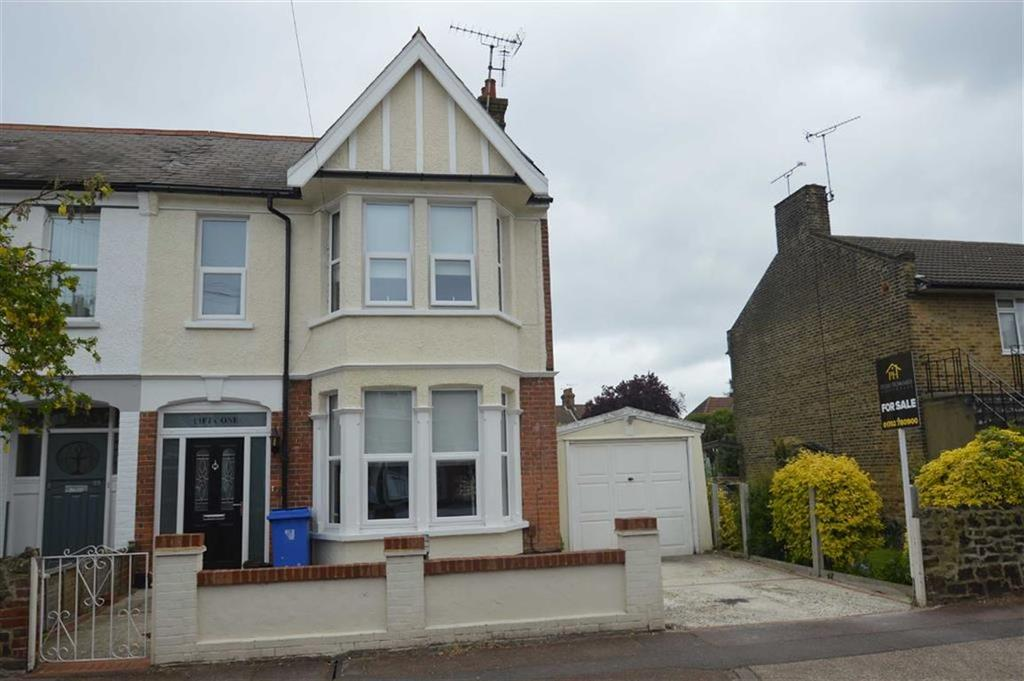 3 Bedrooms Semi Detached House for sale in Swanage Road, Southend On Sea, Essex