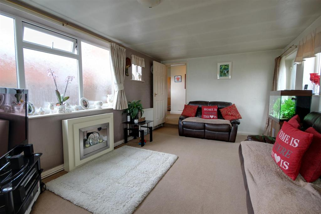 1 Bedroom Semi Detached Bungalow for sale in 43 St Andrews Road, Mablethorpe, Lincolnshire