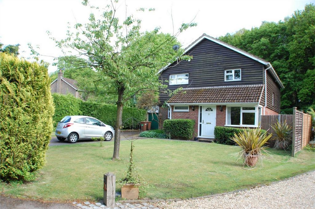 4 Bedrooms Detached House for sale in Oaklands Rise, WELWYN, Hertfordshire
