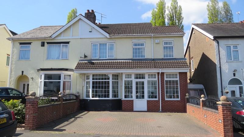 4 Bedrooms Semi Detached House for sale in Wynn Road, Penn, Wolverhampton